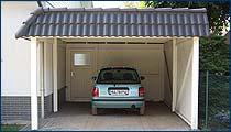 Carport mit Flachdach und Pfannenblende