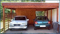 Doppelcarport mit Flachdach und Holzblende